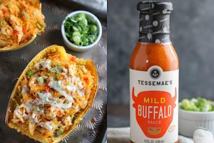 You won't leave This Buffalo Chicken Stuffed Spaghetti Squash