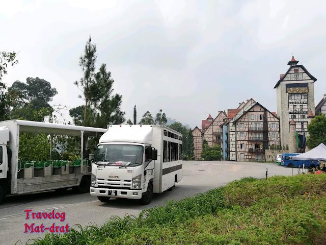 Colmar Tropicale Shuttle Bas ke Japanese Village