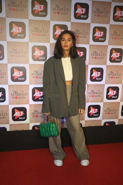 Shibani Dandekar Paired Her White Top And Wide Leg Pants With An Over Sized Blazer Actress Trend