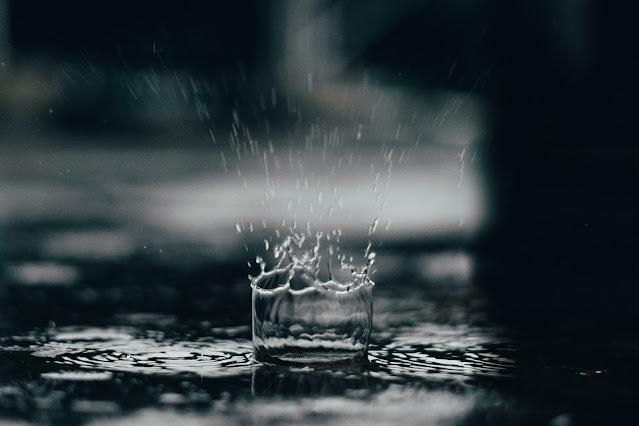 Rainy Season Essay in Hindi