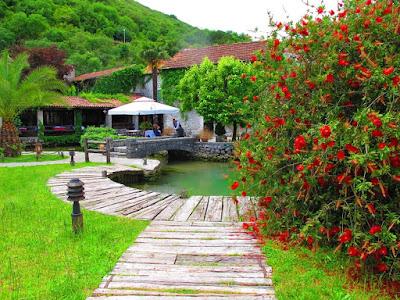 Restaurant in Boka Bay