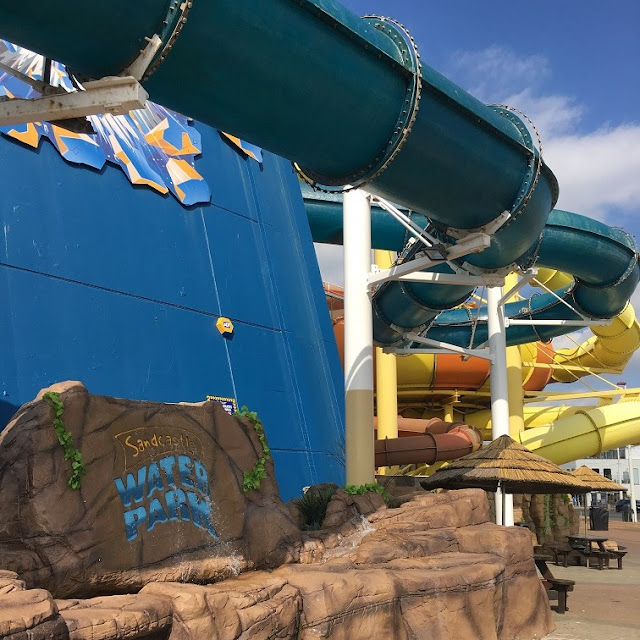 outside flumes at blackpool sandcastle water park