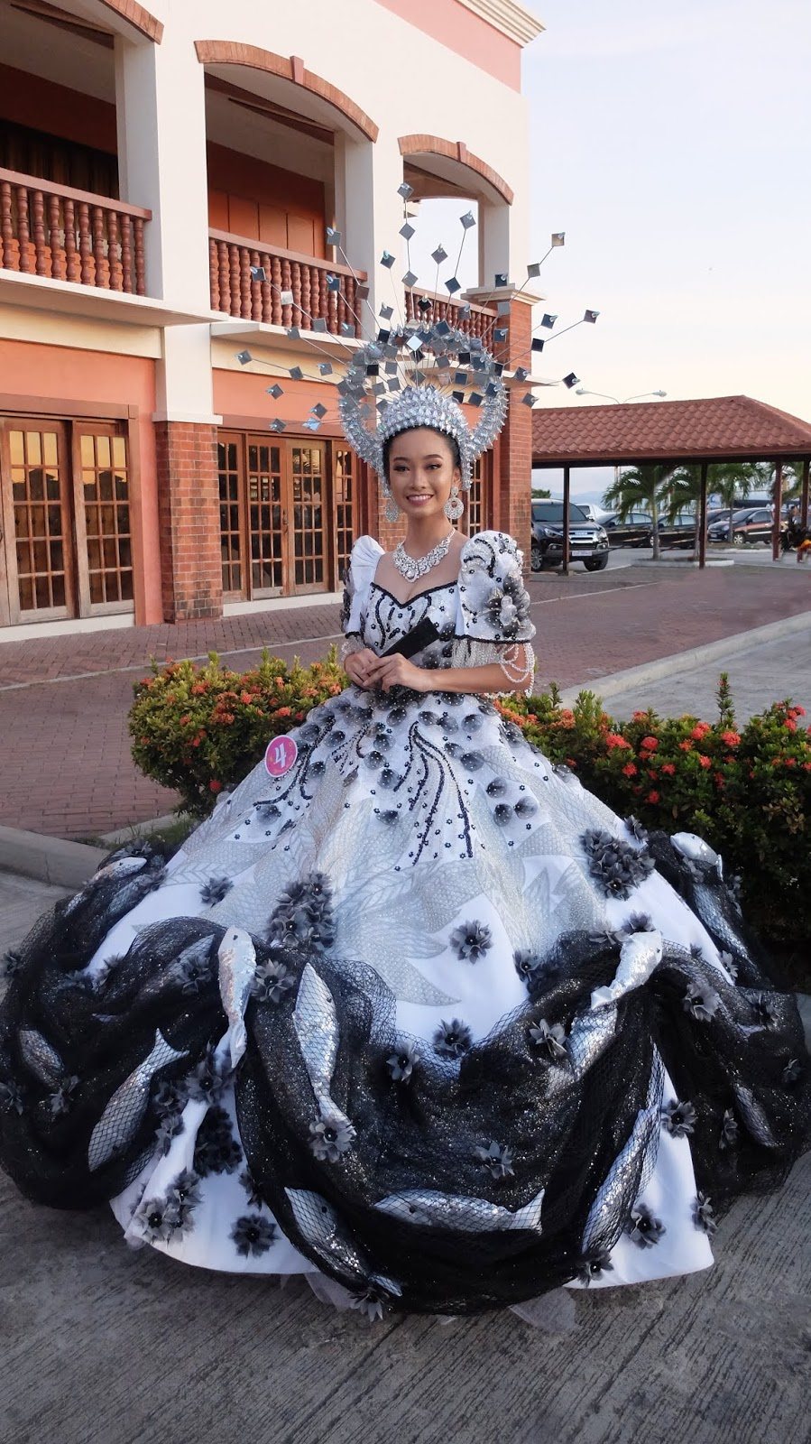 Bangus Festival of Dagupan, Pangasinan by Usni Sali Festival de las Bellas y Flores Gown Competition National Costume