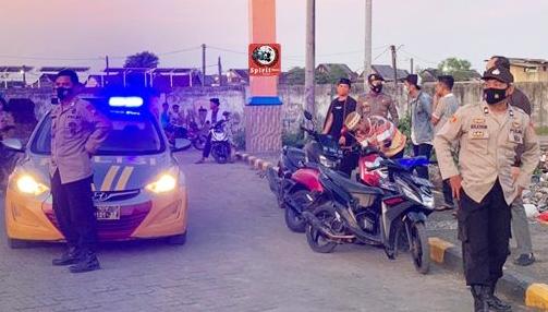 Personil Polsek Galsel Polres Takalar, Rutin Gelar Patroli Wilayah Harkamtibmas di Bulan Ramadhan