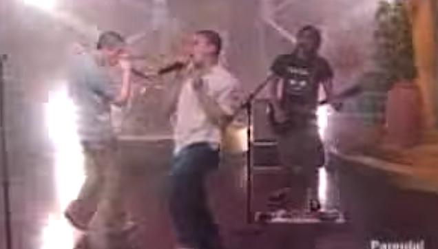 Jose Manalo and Bamboo performing in Eat Bulaga