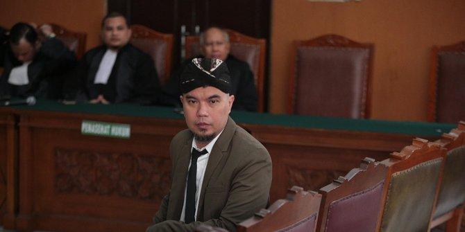 Ahmad Dhani Saat di Sidang di Surabaya Mengucapkan Kata
