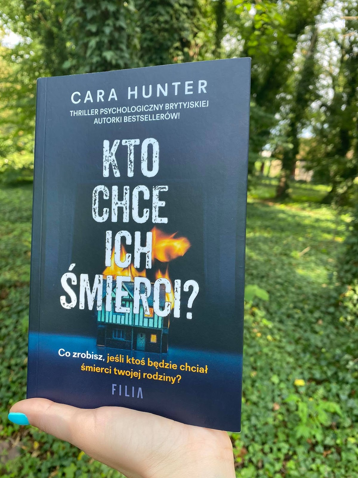 Cara Hunter - Kto chce ich śmierci?