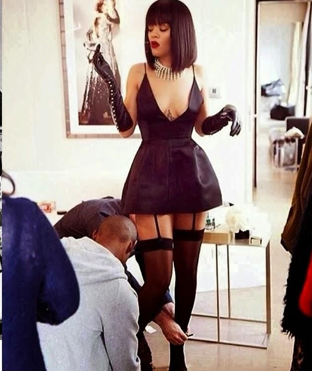 Look under her skirt