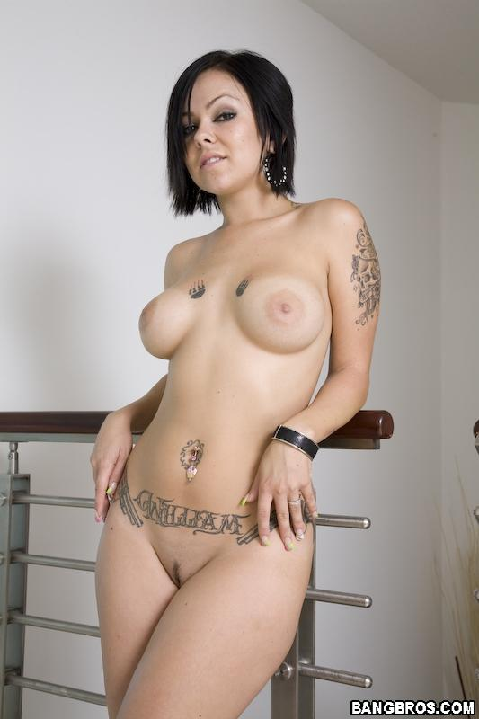 Julia Bond porno