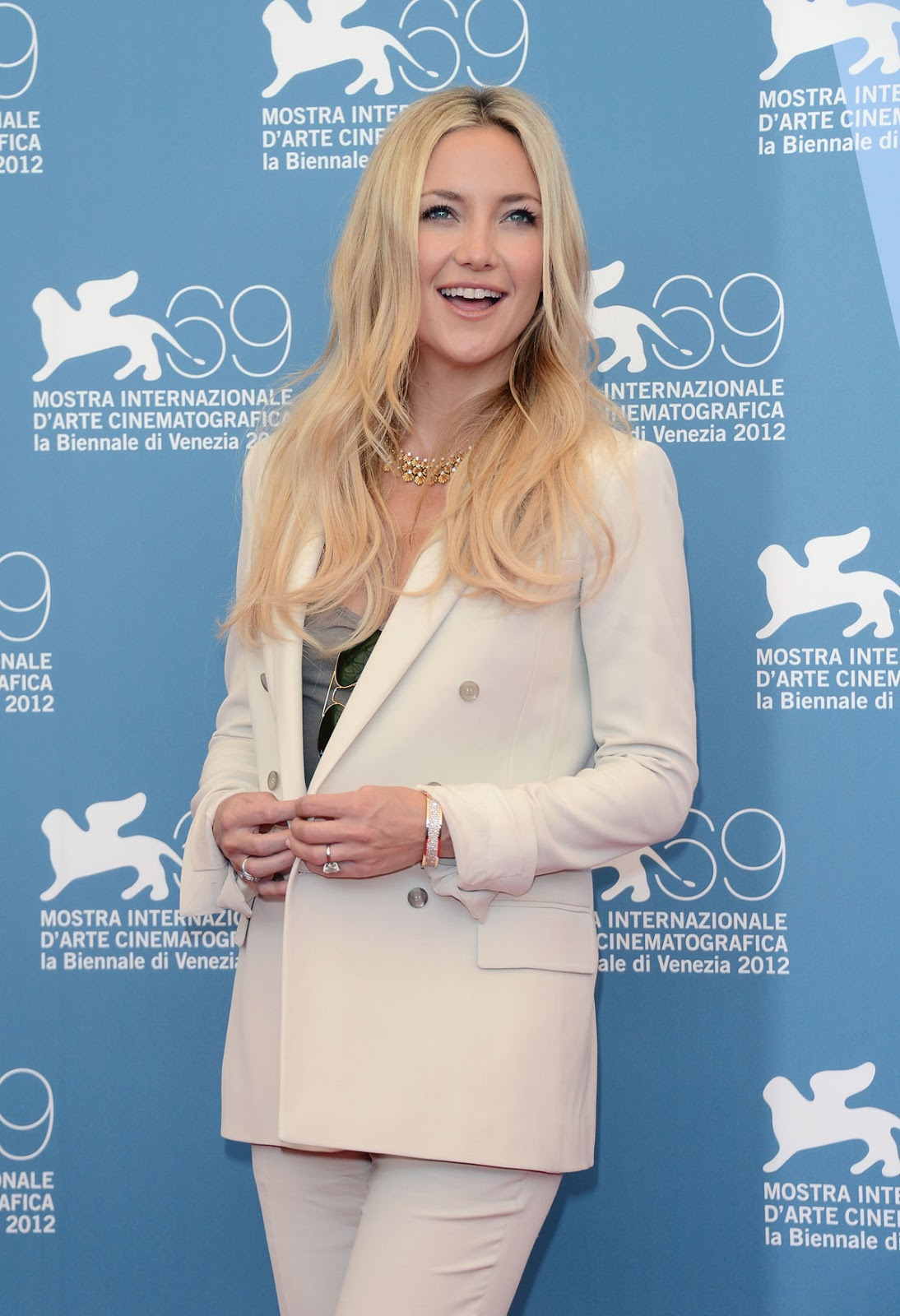 HQ Photos of Kate Hudson at The Reluctant Fundamentalist Photocall in Venice