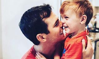 Αδιανόητη τραγωδία για γνωστό τραγουδιστή: Ο 3χρονος γιος του πνίγηκε στην πισίνα του σπιτιού