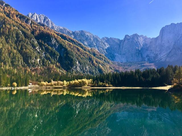 Laghi di Fusine (jezera Fusine) - oblast regionu Friuli-Venezia Giulia, pohraničí Itálie-Rakousko-Slovinsko