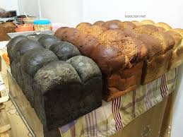 Siapa nak makan roti mereka ini?
