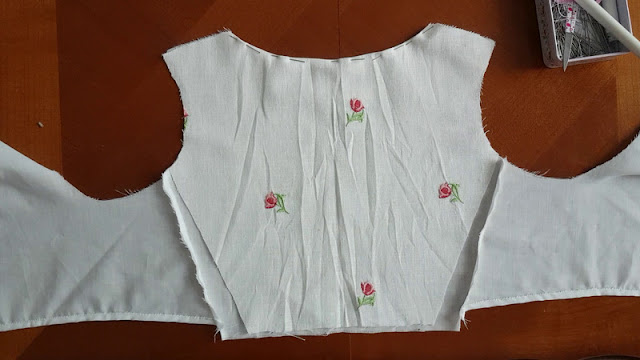 floral fashion fabric put on top of the corresponding lining part