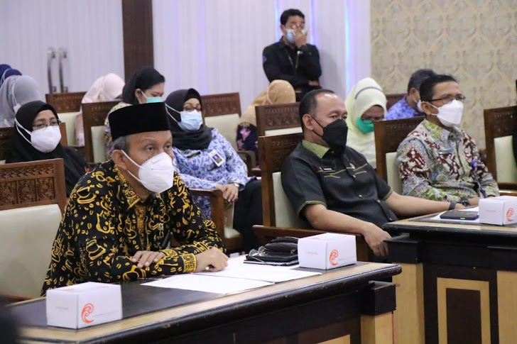 Sekda Agus Sanusi Hadiri Rapat Evaluasi Penanganan Covid 19 Se-Provinsi Jambi