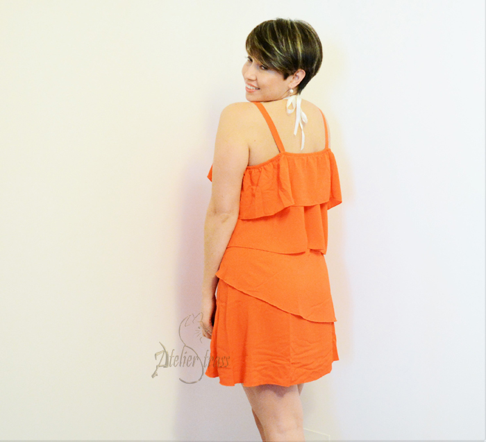 vestido con volantes naranja