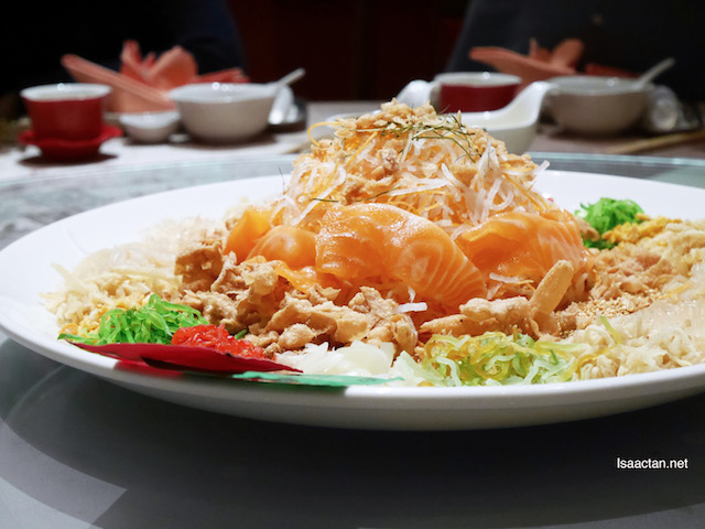 Salmon Fish Yee Sang