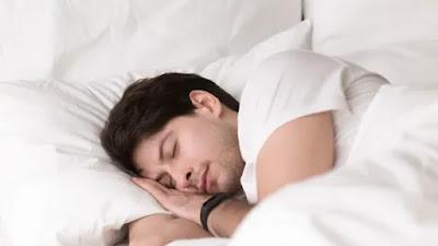 Tidur malam yang nyenyak dapat membantu otak Anda pulih dari cedera traumatis