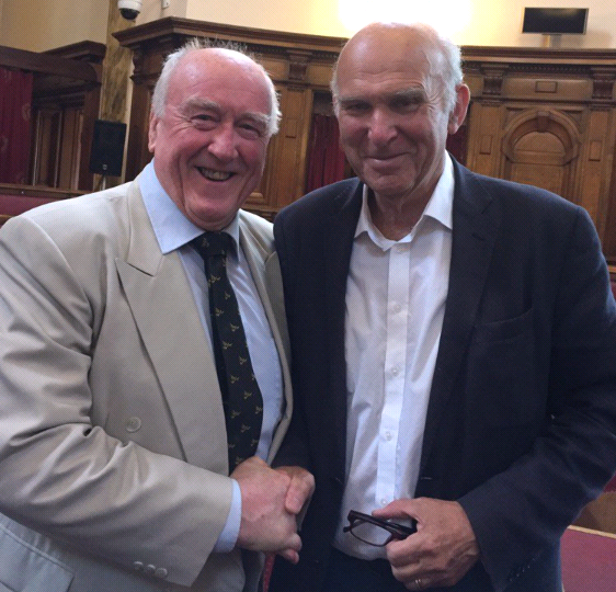 Gwynoro a Vince Cable