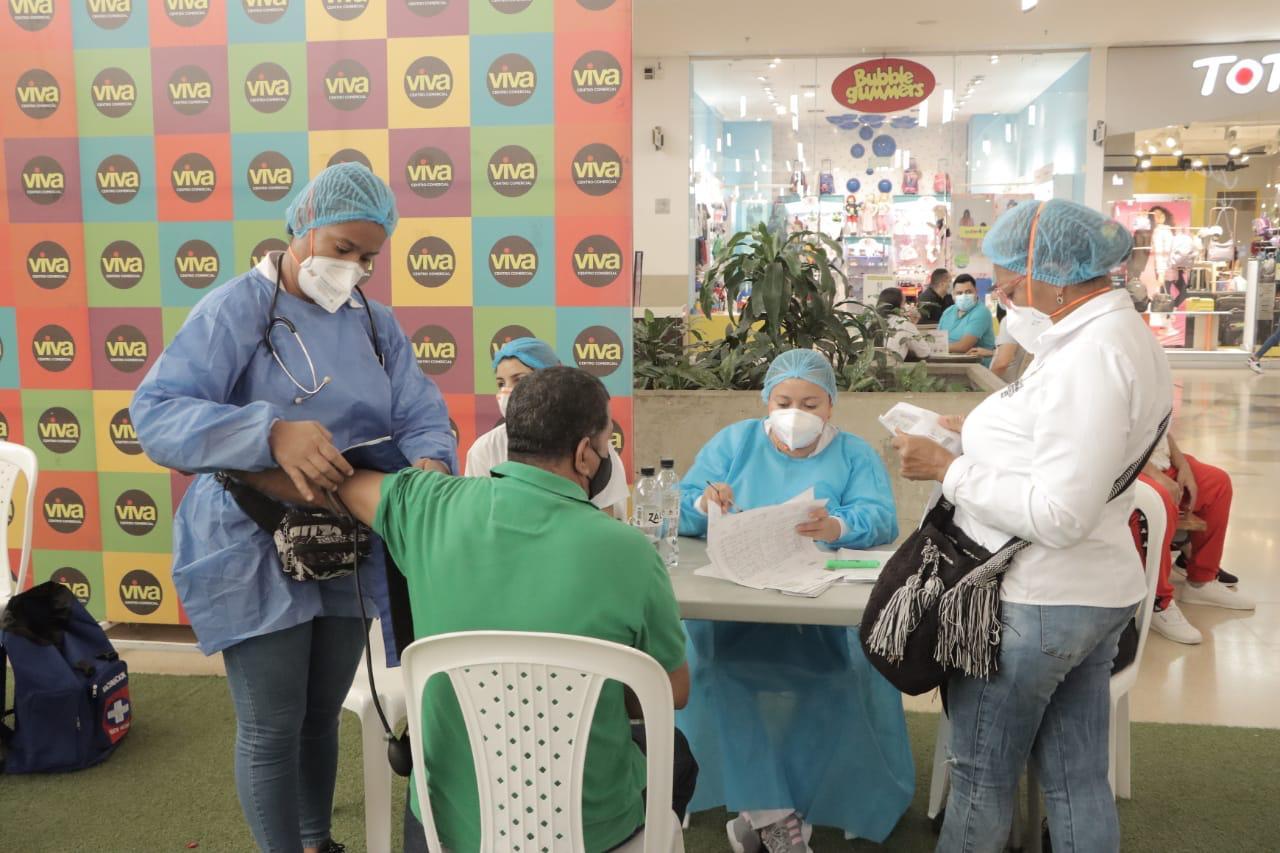 https://www.notasrosas.com/En Riohacha, varias personas entre los 60 y 64 años de edad, no quieren aplicarse la vacuna AstraZeneca