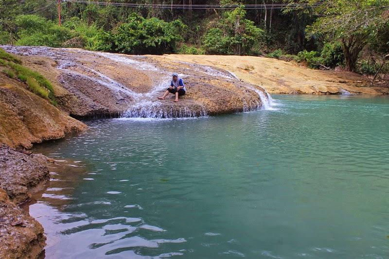 Tempat Air terjun Wisata Morowali Utara