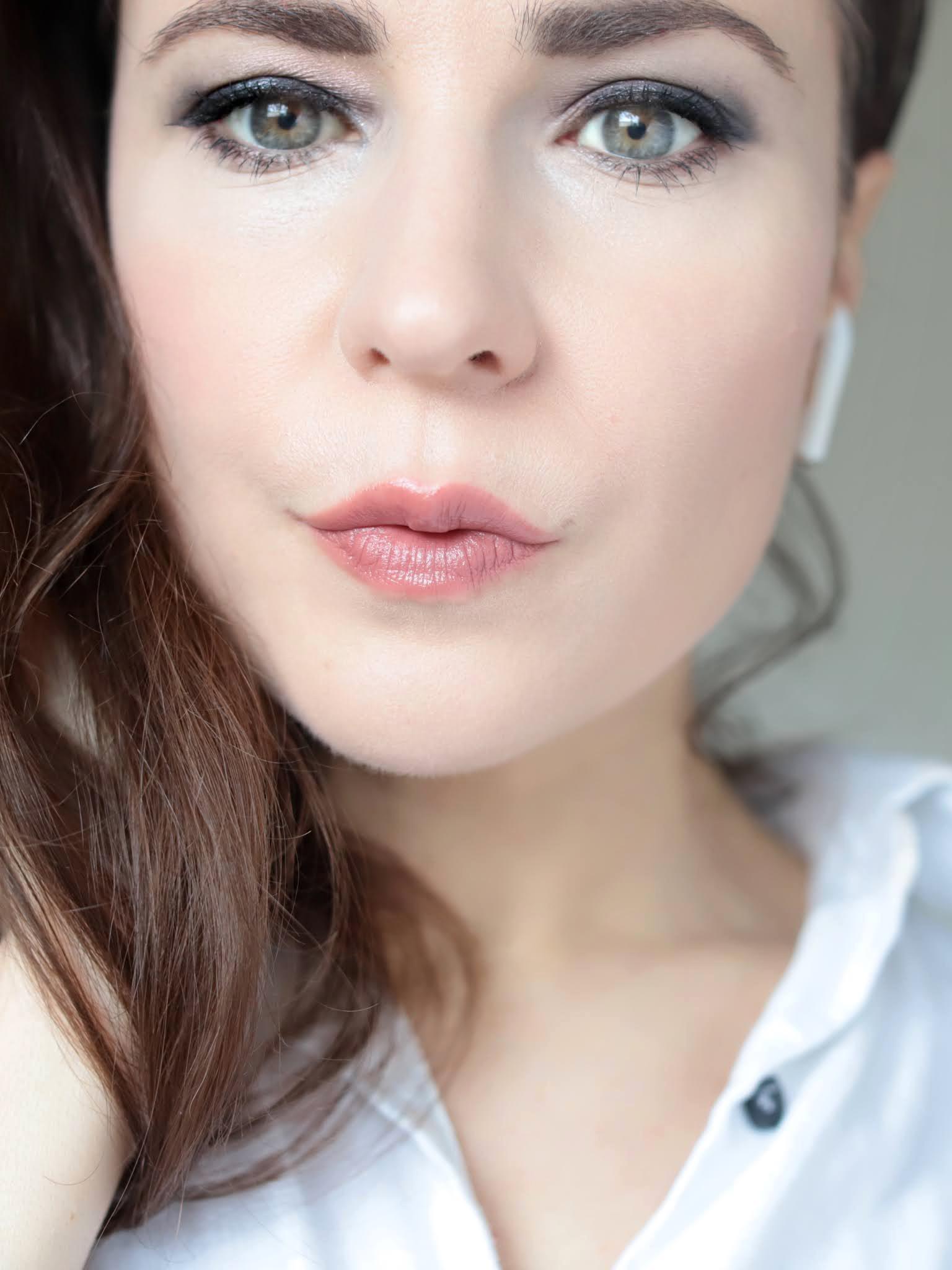 Bobbi Brown Luxe Defining Lipstick First Edition