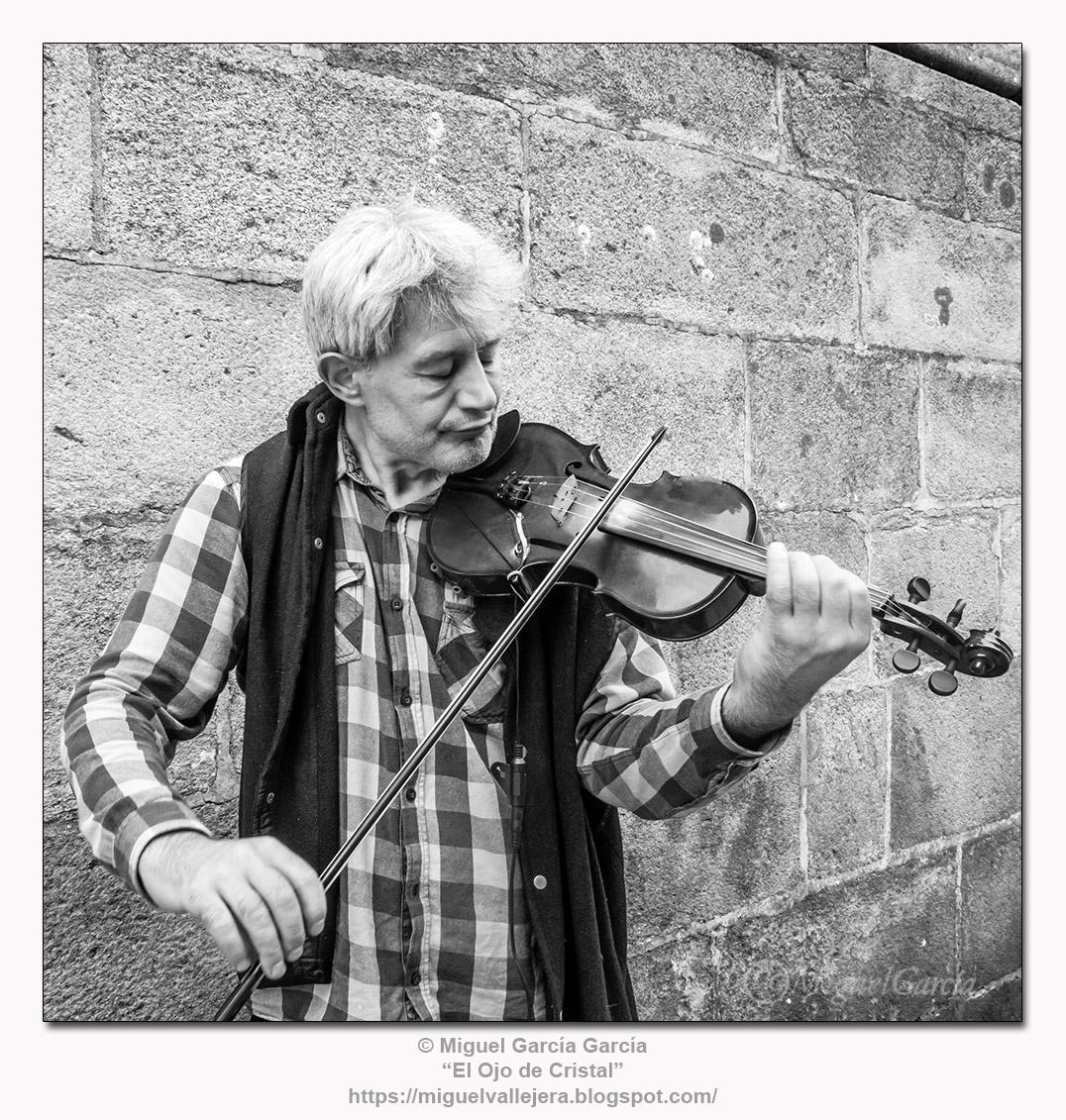 Violinista en la Plaza del Obradoiro.