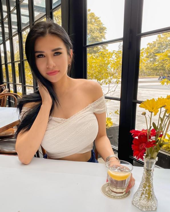 Profil Lengkap Maria Vania