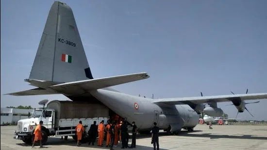 Indian Air Force deployed a C-130 aircraft to carry 21 tons of essential equipment and 334 National Disaster Response Force (NDRF) personnel from Patna, Vananasi and Arakkonam (in Tamil Nadu) to Kolkata and Port Blair