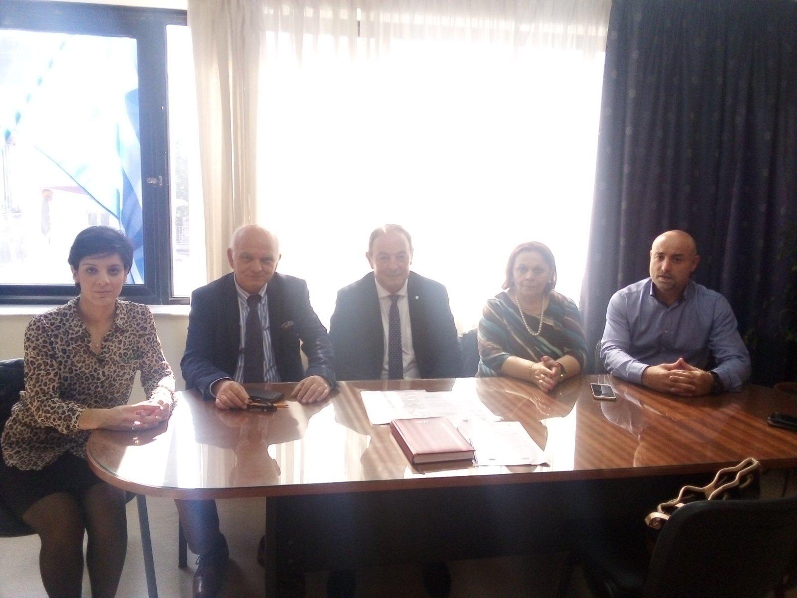 Οι μαθητές στηρίζουν το Κοινωνικό Παντοπωλείο του Δήμου Λαρισαίων