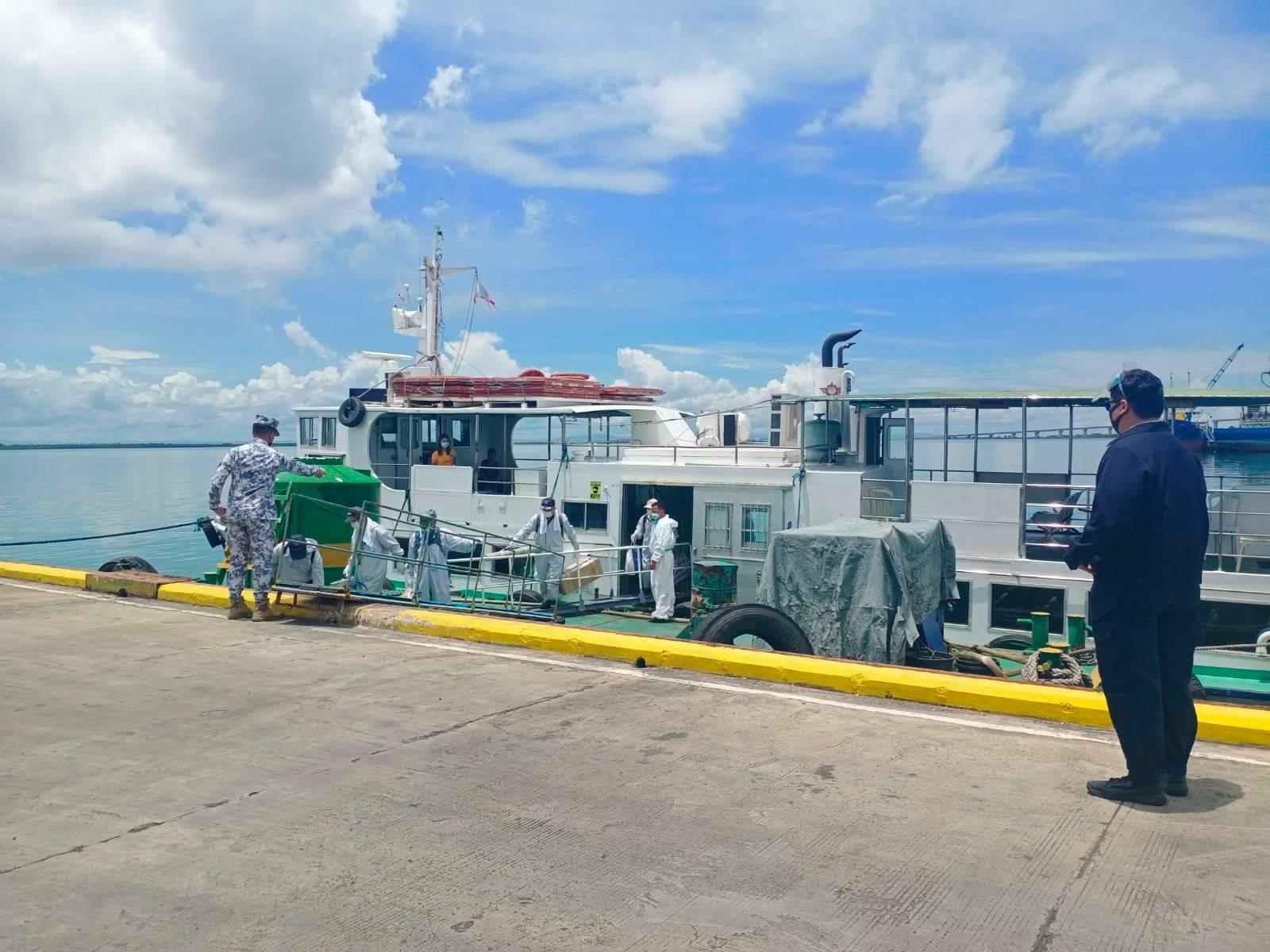Pinoy seaman Filipino seafarers disembarking ship crew change at port of cebu