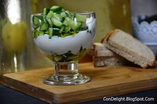 סלט קיץ מרענן סגנון צזיקי Tzatziki style salad