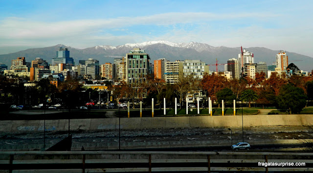 Montanhas no horizonte de Santiago do Chile