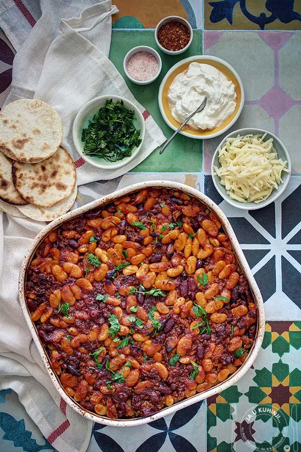Zapečeni pasulj (sa mesom) u roštiljskom sosu