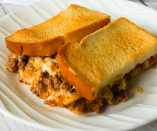 Bacon Cheeseburger Grilled Cheese Casserole