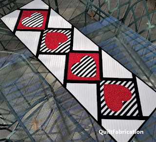Heart-Red-Black-White-Valentine-Table-Runner-Modern-Improv