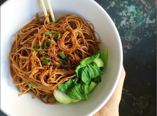 Spicy Garlic Soba Noodles with Bok Choy #vegetarian #dinner