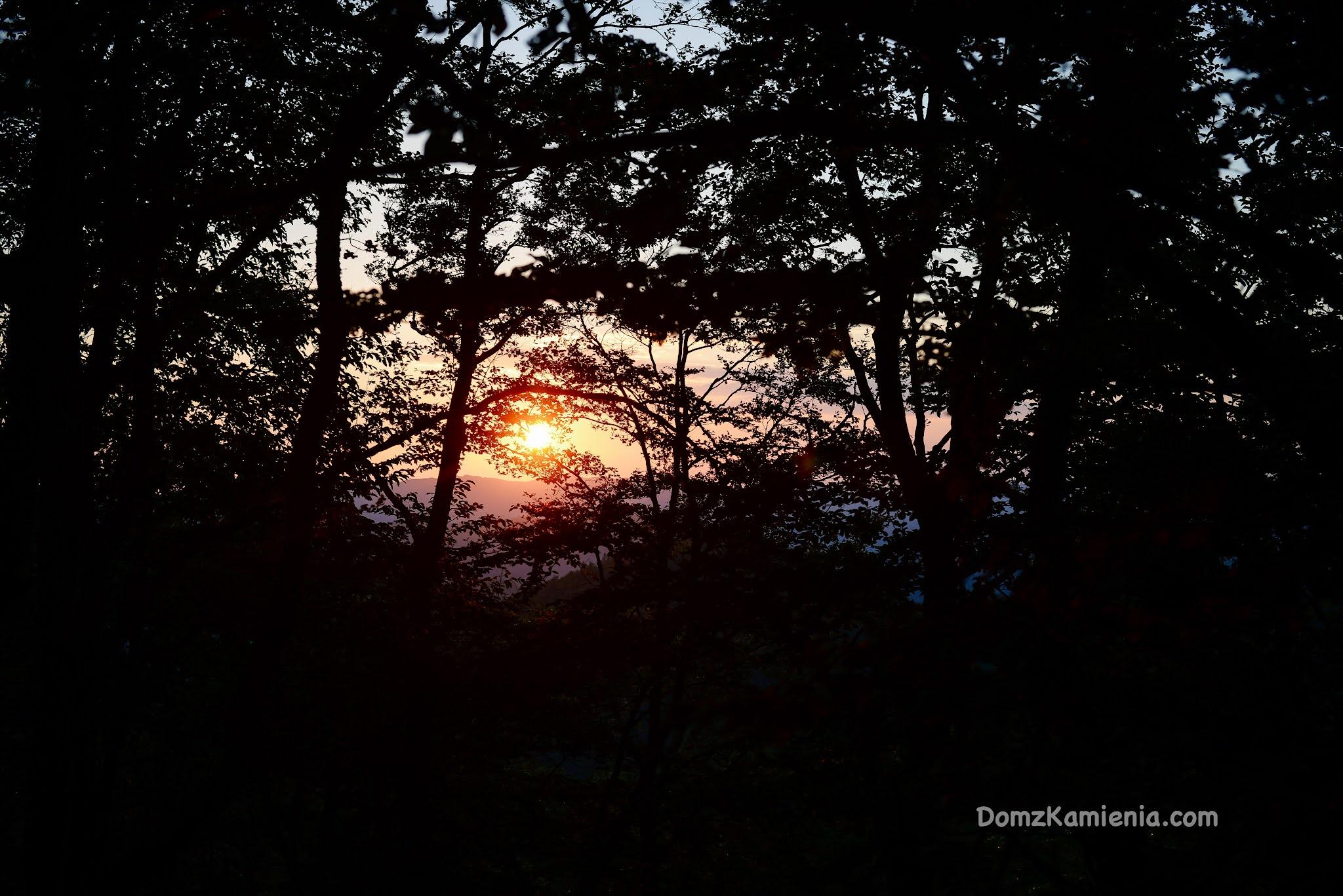 Najpiękniejsza marradyjska noc - Strastellata 2021. Magia gór, spektakl słońca, piknik pod gwiazdami, śmiechy i żarty, jednym słowem - MAGIA <3  https://www.domzkamienia.com/2021/08/strastellata-2021-marradi-magia.html