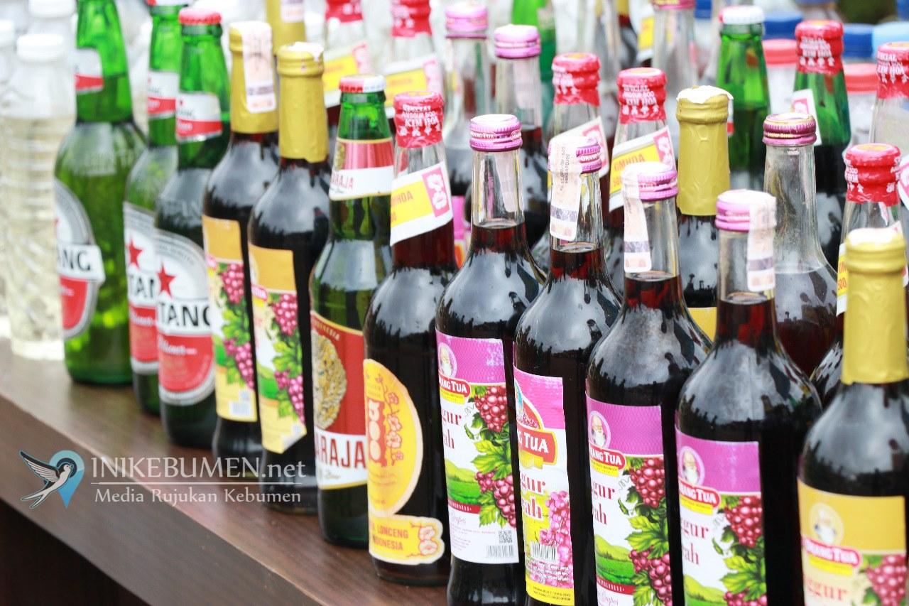 Jelang Pilkades, Polres Kebumen Musnahkan Ribuan Botol Miras