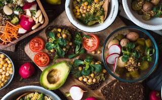सपने में खाना बनाते देखना ▷ food