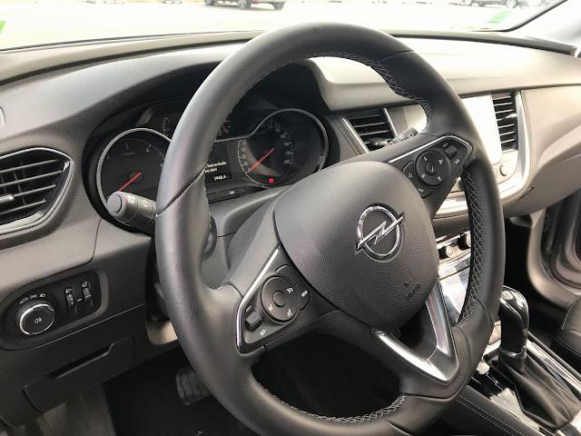 Opel grandlandx front seat