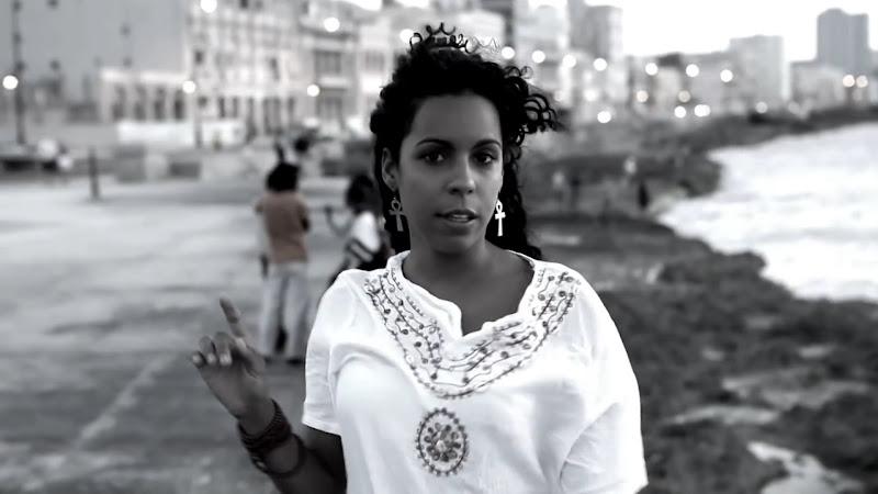 Danay Suárez - ¨Yo Aprendí¨ - Videoclip - Dirección: Wilberg H. Monterde. Portal Del Vídeo Clip Cubano - 01