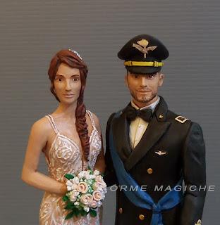 cake topper sposini aviazione sposa con capelli rossi e trecciaesercito scultura personalizzata torta milano orme magiche