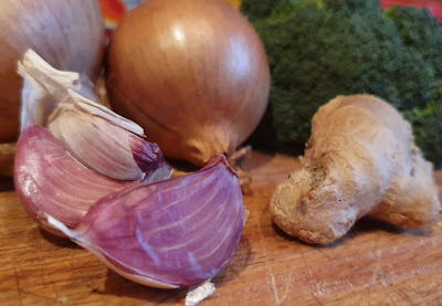 Foods to fight colds and flu boost immunity
