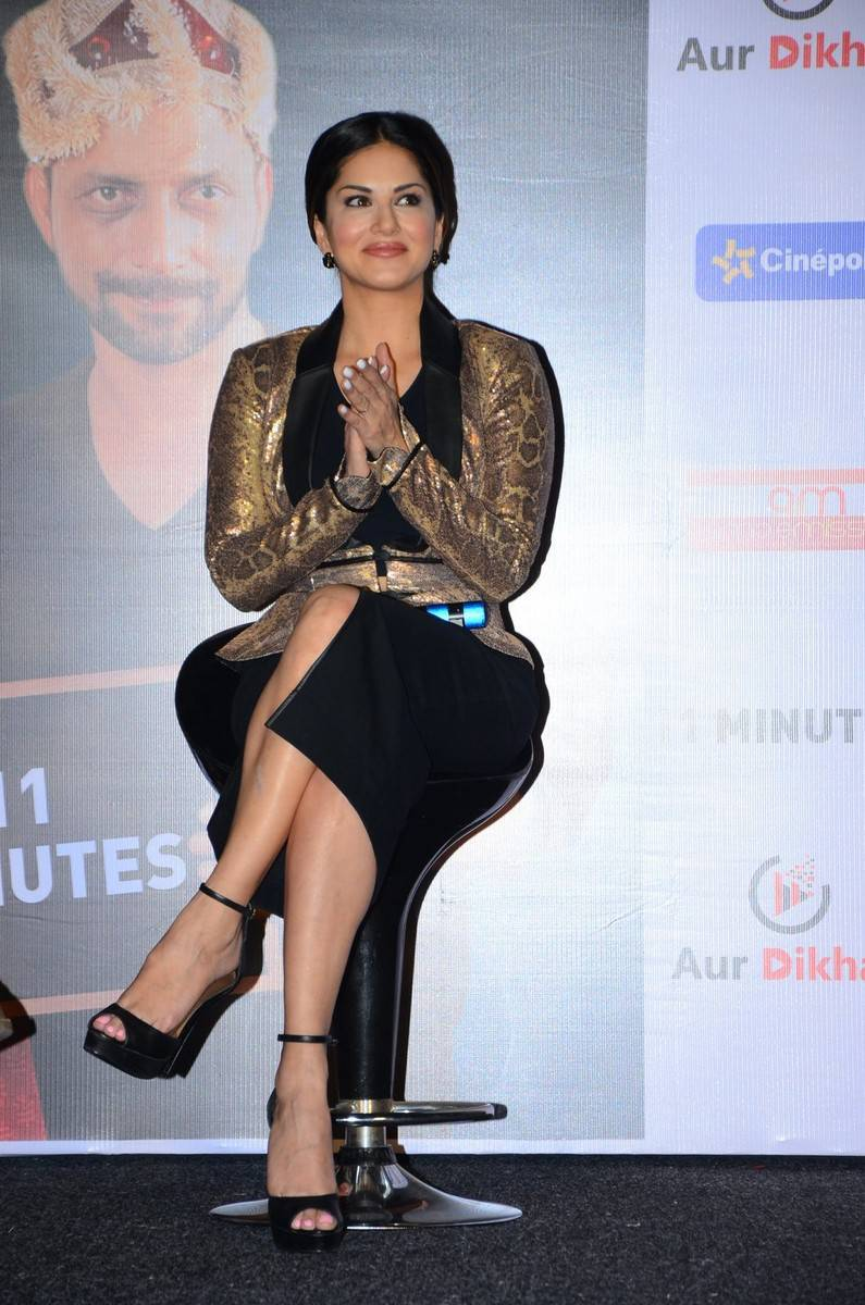 Sunny Leone Latest Hot Legs Showing Photoshoot