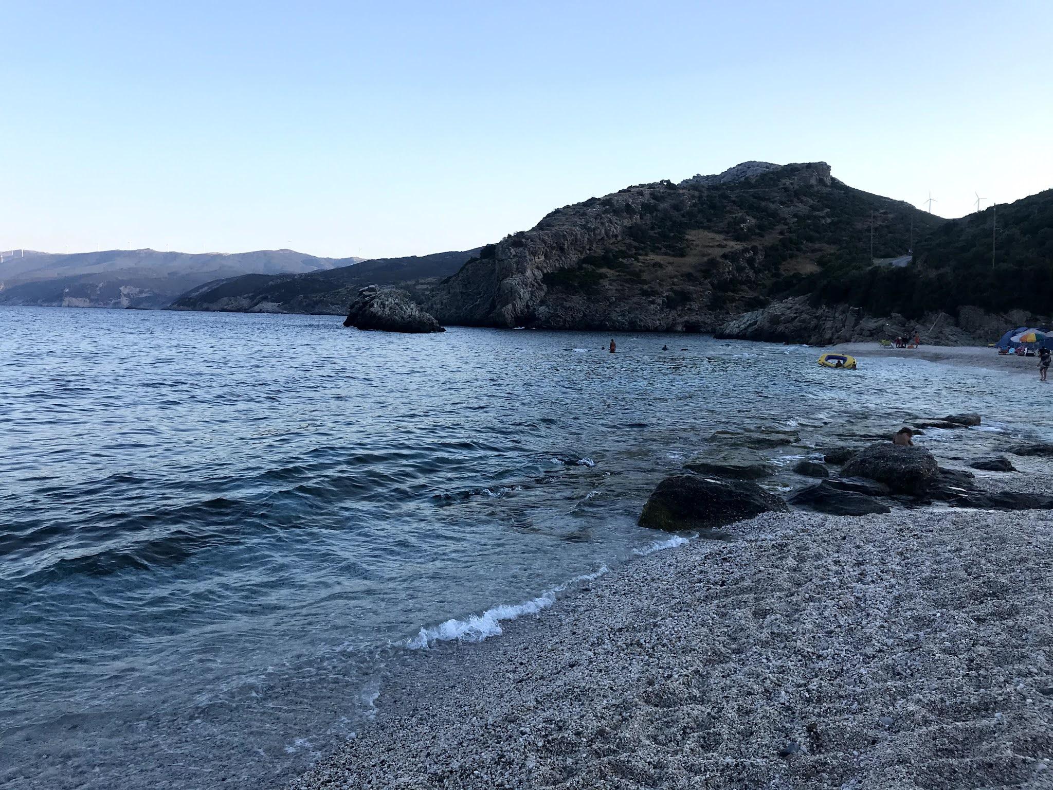 Παραλία Λιμνιώνας στην Εύβοια
