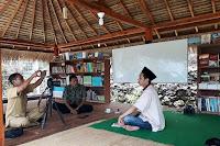 jumaili-berugak-buku-lombok