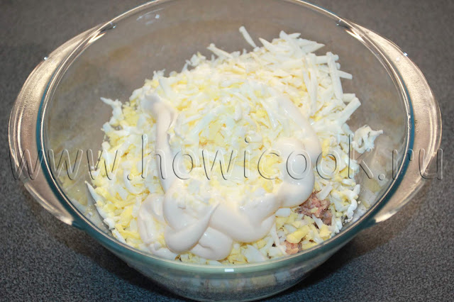 рецепт салата с рыбными консервами и сыром с пошаговыми фото