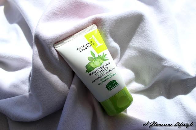 scrub viso migliore per pelle grassa