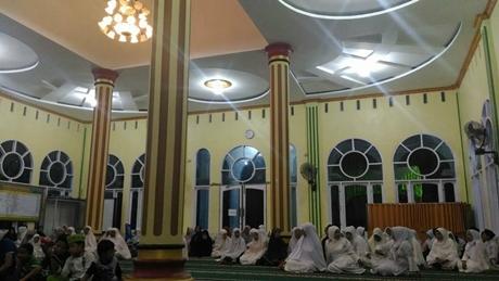 Hadiri Milad Masjid Arafah, Desri: Pendidikan Agama Berperan Penting Atasi Dekadensi Moral